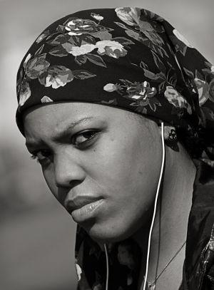 Woman_Scarf_Philly.Feb.09.jpg