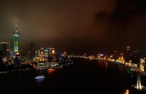 Shanghai_at_night_Oct.08.jpg